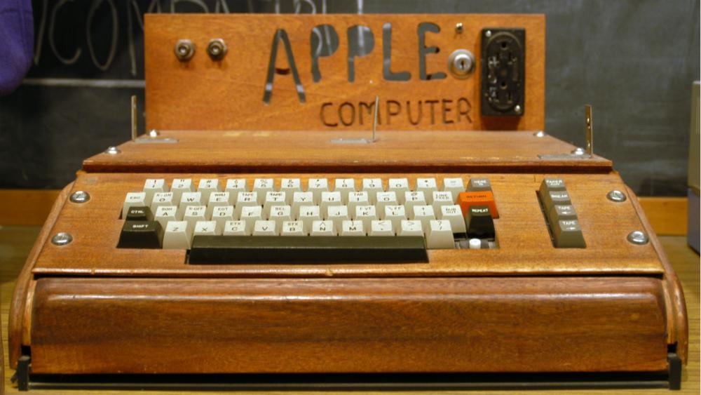 apple_i_computer.thumb.jpg.a78a91ec23dac29e9c328d964d97aa13.jpg