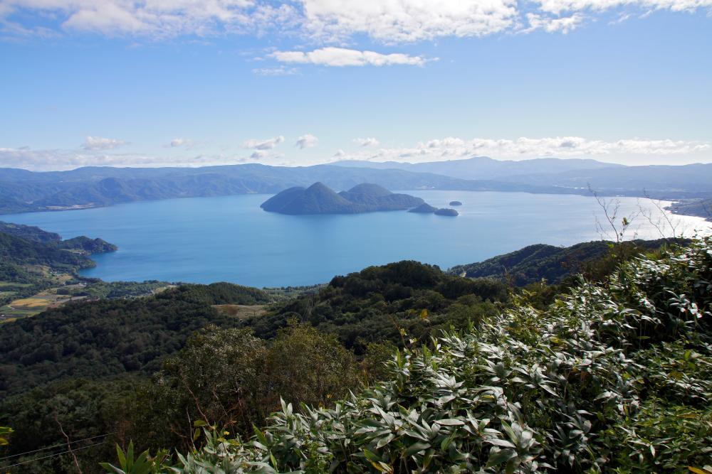 Lake_Toya_Toyako_Hokkaido_Japan.thumb.jpg.a4b8428acadfcf3286051811d74b8e23.jpg